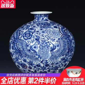 Jingdezhen ceramics imitation qianlong hand-painted phoenix Chinese blue and white porcelain vase gift sitting room adornment is placed