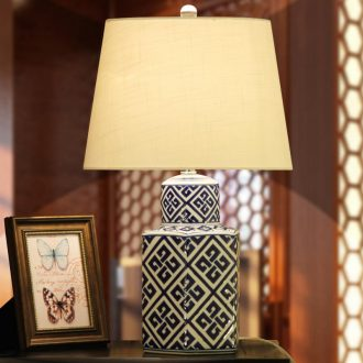 Chinese style restoring ancient ways is blue and white porcelain lamp classic adornment bedroom ceramic bedside lamp table sitting room study desk lamp