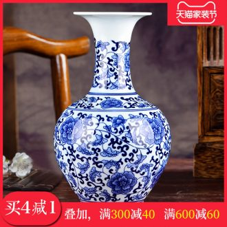 Jingdezhen ceramics hand-painted blue and white porcelain vases, flower arrangement archaize sitting room porch decoration of Chinese style household furnishing articles