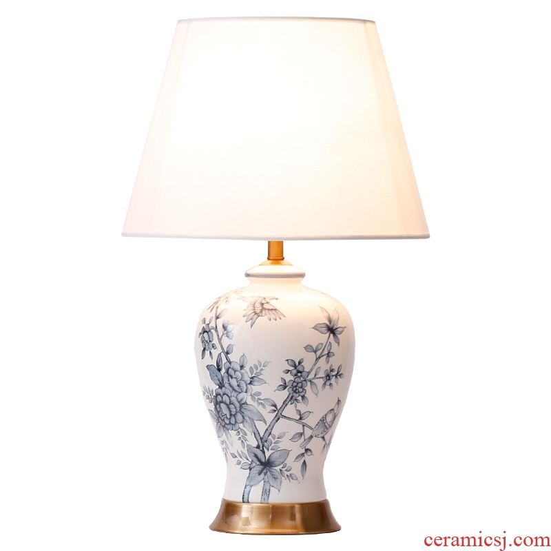 New Chinese blue and white porcelain lamp classical luxury vintage American ceramic bedroom the head of a bed lamp is contracted and contemporary sitting room