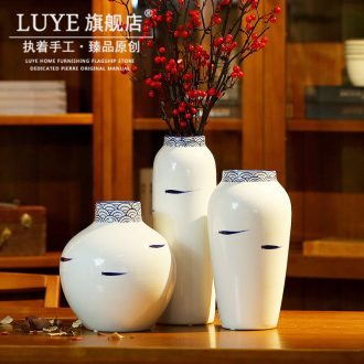 Jingdezhen blue and white porcelain vase of porcelain of new Chinese style porch sitting room adornment is placed dry flower arranging flowers white porcelain vase