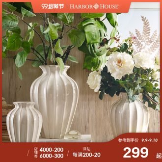 Harbor House sitting room flower arranging restoring ancient ways American ceramic vases, dry flower is placed Enakei home decoration