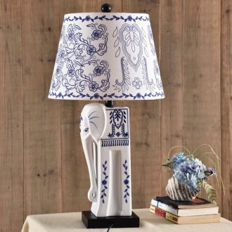 Ceramic lamp light creative jingdezhen blue and white porcelain of bedroom the head of a bed the elephant Chinese American ceramic desk lamp sitting room