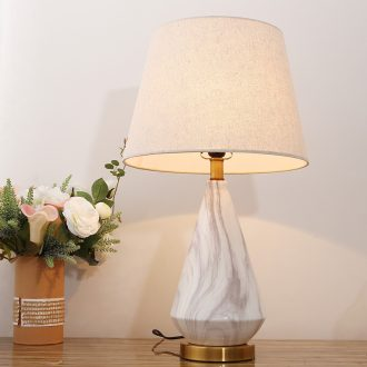 Contemporary and contracted Nordic ideas ceramic desk lamp study living room desk lamp of bedroom the head of a bed decoration cloth art lamps and lanterns