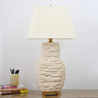 American ceramic desk lamp lamp household contracted sitting room the bedroom the head of a bed sweet home stay facility creative cloth art adornment lamp
