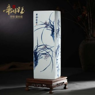 Jingdezhen blue and white chrysanthemum patterns hand-painted ceramics of large vases, flower arranging and calligraphy scrolls cylinder furnishing articles