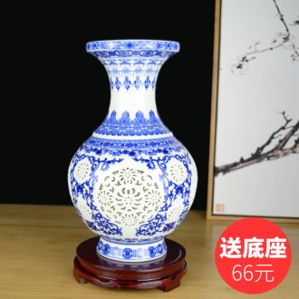 Hollow out of blue and white porcelain vase sitting room creative Chinese style restoring ancient ways of jingdezhen ceramics home furnishing articles