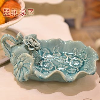 Murphy contracted and contemporary handmade ice crack glaze ceramic elephant compote European creative living room table dried fruit snacks