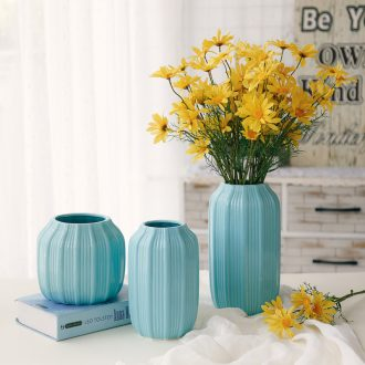 Ceramic creative fashion vase is contemporary and contracted white porcelain place to live in a home sitting room dry flower flower, flower arrangement