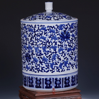Jingdezhen ceramic vase furnishing articles manually blue and white porcelain home decoration lid tin with the sitting room of Chinese style mesa