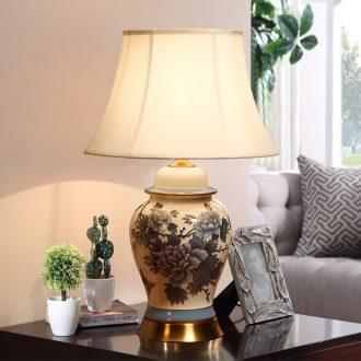 American ceramic desk lamp bedside lamp sitting room bedroom luxury villa hotel front desk cloth art desk lamp restoring ancient ways