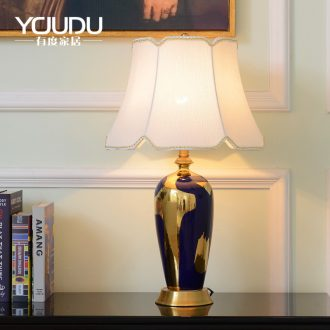 New Chinese style ceramic desk lamp Europe and the United States to restore ancient ways the study idea of bedroom the head of a bed warm villa decoration full copper lamp