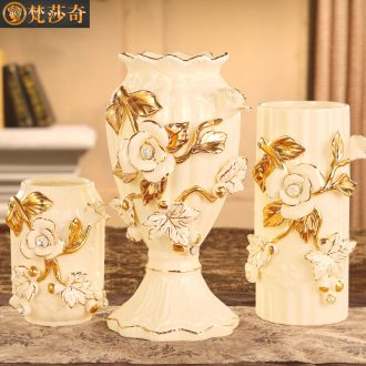 Vatican Sally 's European ceramic vase flower arranging household act the role ofing is tasted sitting room adornment furnishing articles of key-2 luxury dried flower vases, three - piece suit