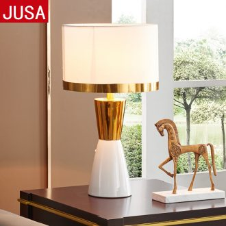 Light postmodern American luxury adornment bedroom berth lamp european-style originality contracted sweet wedding ceramic sitting room desk lamp
