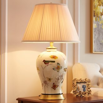 Sitting room corner several sofa American pastoral bedroom European - style atmosphere, full of new Chinese style restoring ancient ways of copper ceramic bedside lamp