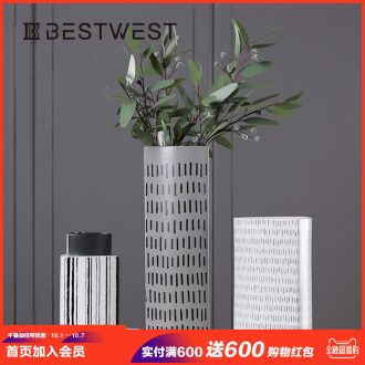 Designers show ceramic vases, flower arranging decorations stripe vase decoration crafts creative home furnishing articles