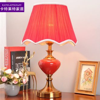 The Desk lamp of bedroom the head of a bed lamp American ceramic warm romantic ideas that move light red modern wedding decoration