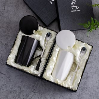 Nordic ceramic cups with cover spoon mug creative couple household contracted color coffee cup gift box set