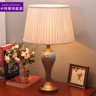 American ceramic desk lamp sitting room bedroom berth lamp of creative study and contracted warm and romantic wedding decoration