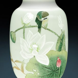 Jingdezhen ceramics famous master hand made lotus powder enamel vase Chinese ancient frame sitting room adornment is placed