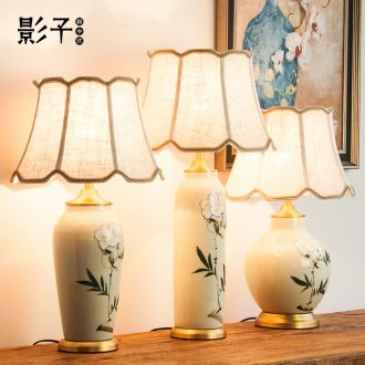 Now, new Chinese style desk lamp of bedroom the head of a bed full of copper ceramic hand - made flowers to decorate the sitting room the study desk lamp, 1054