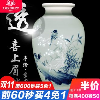 Jingdezhen ceramics hand - made vases, flower arrangement of Chinese style home sitting room adornment TV ark place New Year gift