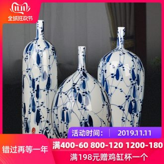 Jingdezhen blue and white porcelain vase three - piece creative decoration in the sitting room household dry flower decoration crafts are arranging flowers