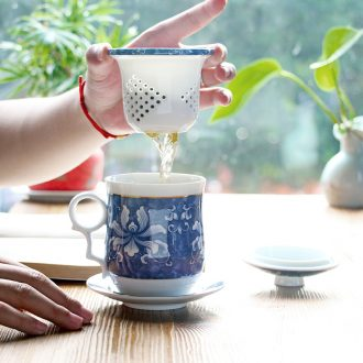 Blue and white porcelain filtering ceramic cups with cover four office of kung fu tea set personal cup cup boss cup and meeting