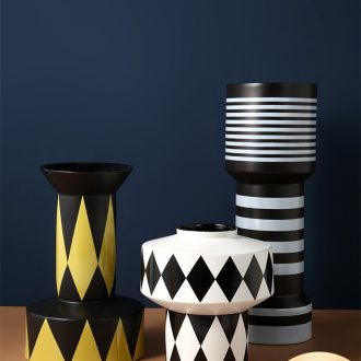 Nordic simple geometric art ceramic vase modern black and white stripes example room designer soft outfit decoration furnishing articles