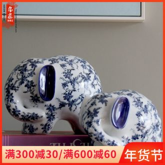 Ceramic elephant is placed a pair of Chinese style decoration creative home sitting room TV ark, auspicious of blue and white porcelain arts and crafts