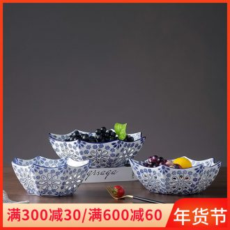 Blue and white porcelain of jingdezhen ceramics hollow - out compote consecrate dish fruit snacks snacks sitting room dish Europe type tea table furnishing articles