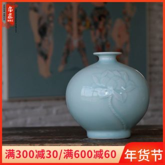 Jingdezhen ceramics floret bottle furnishing articles, lovely flowers, flower arrangement, creative household living room desktop decoration small expressions using