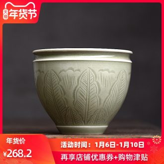 Longquan celadon antique hand cut ceramic masters cup single cup, the up to burn the sample tea cup small kung fu tea cups