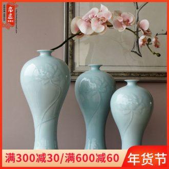 Jingdezhen ceramic vase furnishing articles flowers, dried flowers, flower arrangement sitting room desktop water raise hand shadow blue adornment narrow expressions using