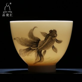 The Product master cup large heart cup white porcelain remit a single pure manual hand - made ceramic cups every year there are fish sample tea cup