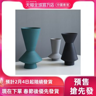 [directly] Nordic I and contracted, ceramic vases, furnishing articles sitting room between example geometrical frustum of a cone flower arranging flowers