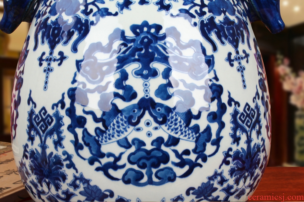 Jingdezhen ceramics antique hand - made sweet grain deer head statute of the cylinder and vase of blue and white porcelain was classical furnishing articles