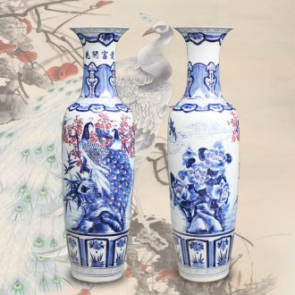 Jingdezhen ceramics of large blue and white youligong peacock vase hand - made porcelain vase sitting room adornment is placed