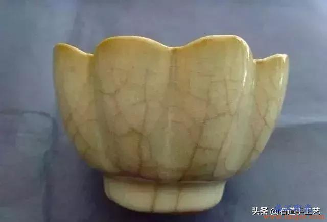 官窑与哥窑都有开片,两者如何区分,官窑瓷器的珍贵体现在哪里?