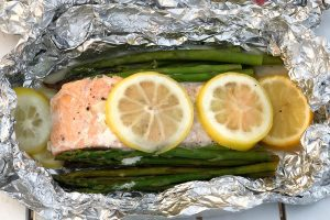 grilled salmon and asparagus packets