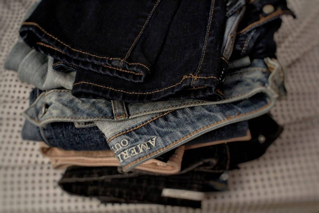 downsizing and donating clothes