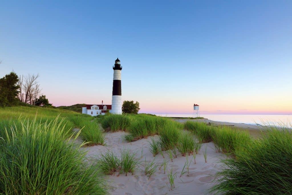 ludingston state park michigan lighthouse