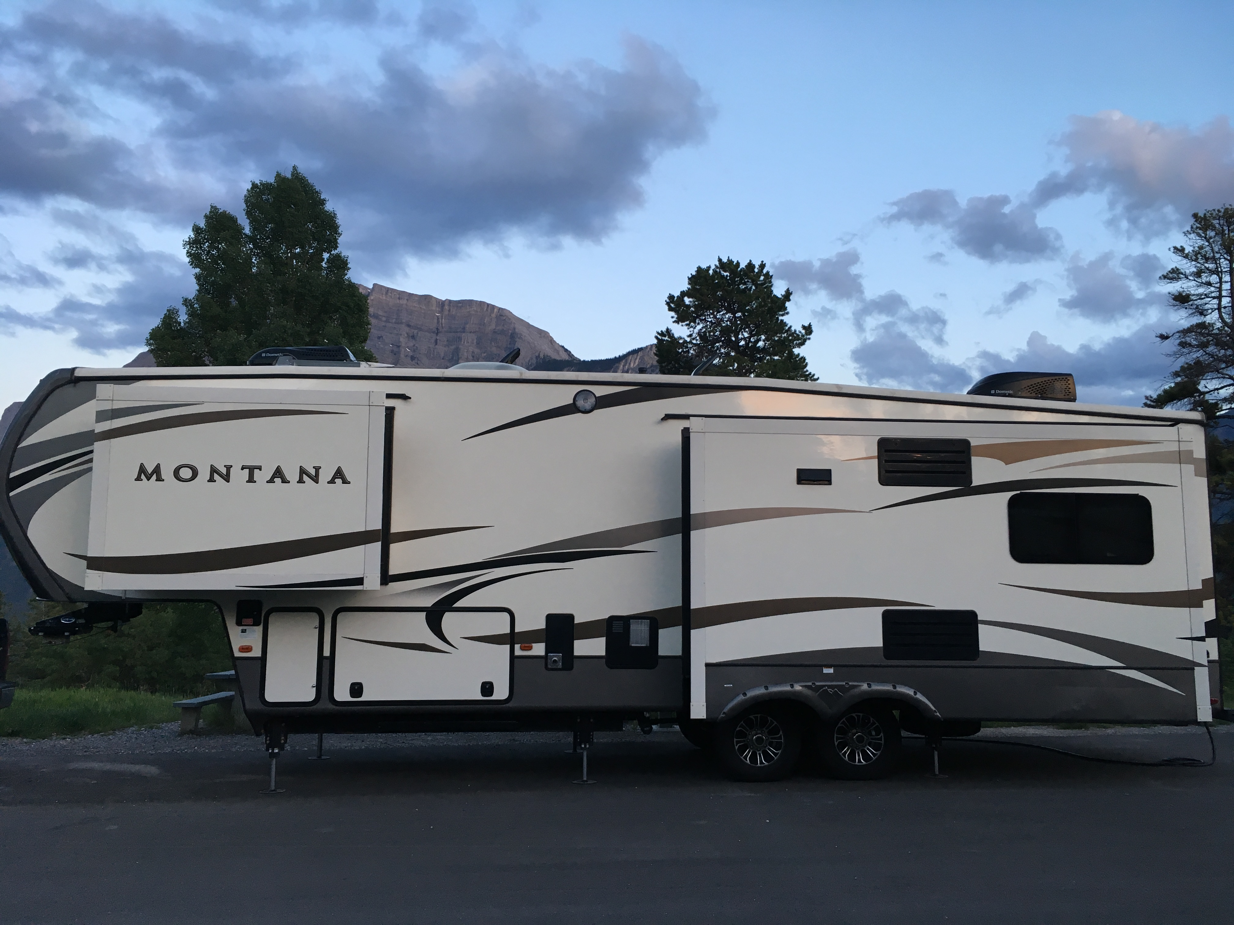 5Th Wheel Trailers >> Why Are Fifth Wheel Trailers Called That Camping World