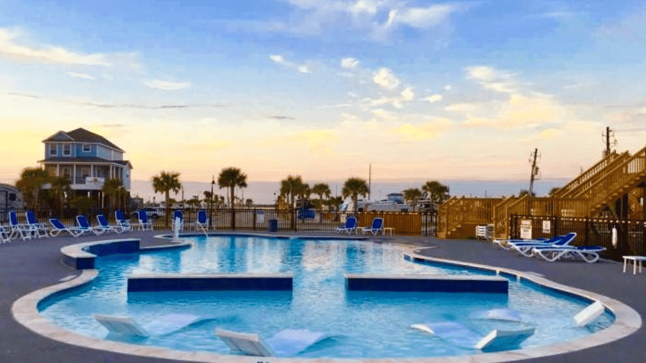 If you're traveling to Galveston Texas, be sure to check out Stella Mare RV Resort.