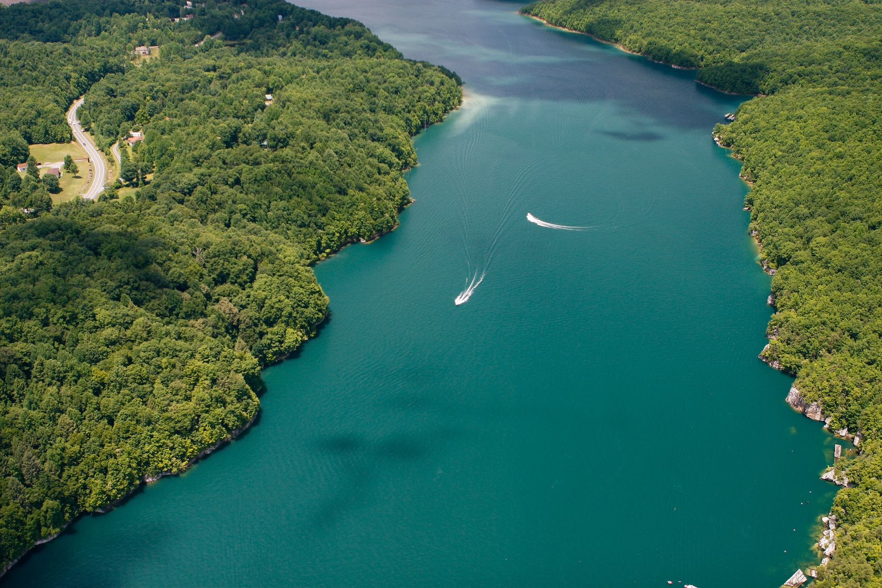 Aerial shot of Summersville Lake in West Virginia. Boating and recreation.