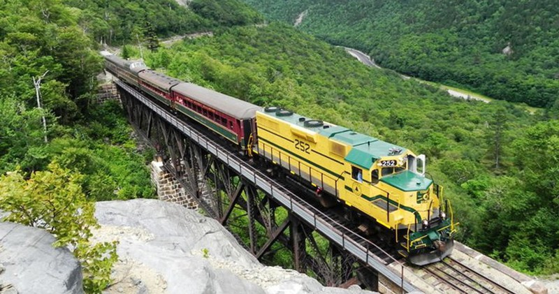 Excursion Trains in New Hampshire - Conway Scenic Railroad