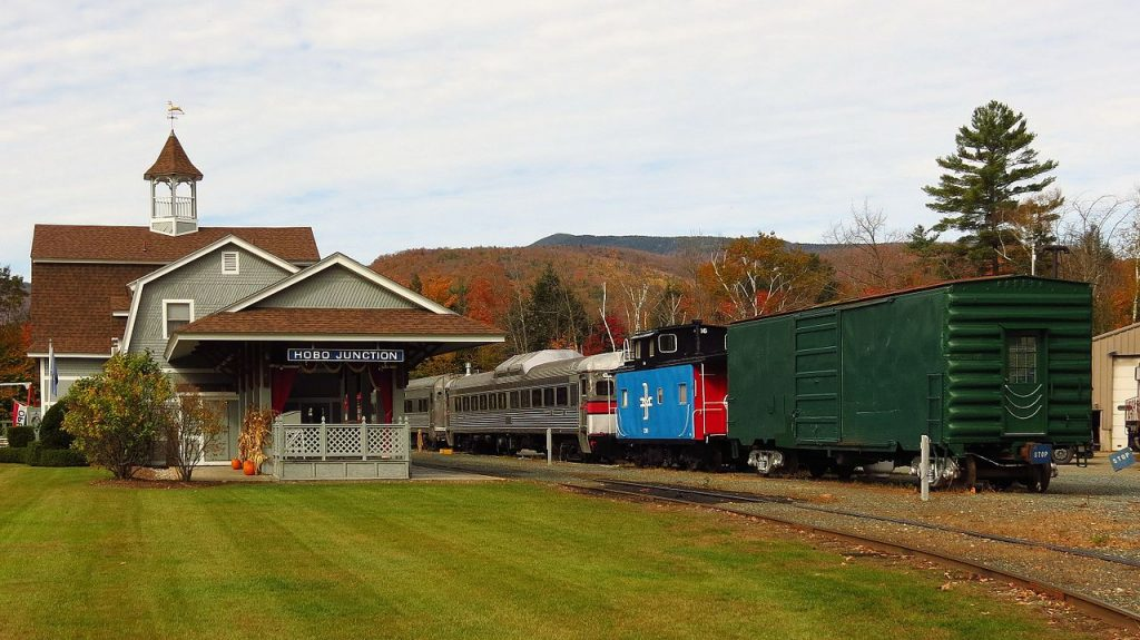 Excursion Trains in New Hampshire - Hobo Railroad and Depot