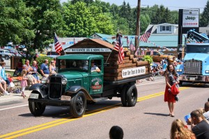 Independence Day-Accident Parade-Fire on the Mountain.