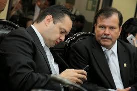 A la izquierda Gonzalo Ramírez y a la derecha Abelino Esquivel.