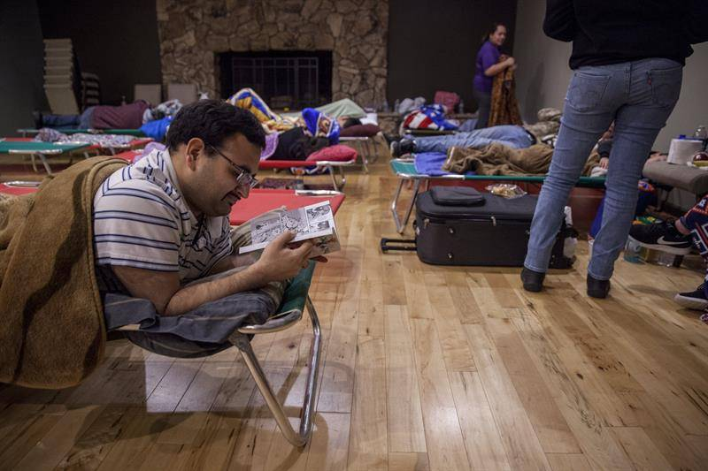 Casi 200.000 evacuados en California por daños en la presa Oroville. EFE